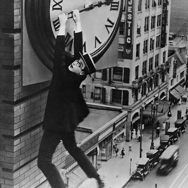 Monte là-dessus avec Harold Lloyd